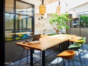 aménagement espace collaboratif bureaux lumineux